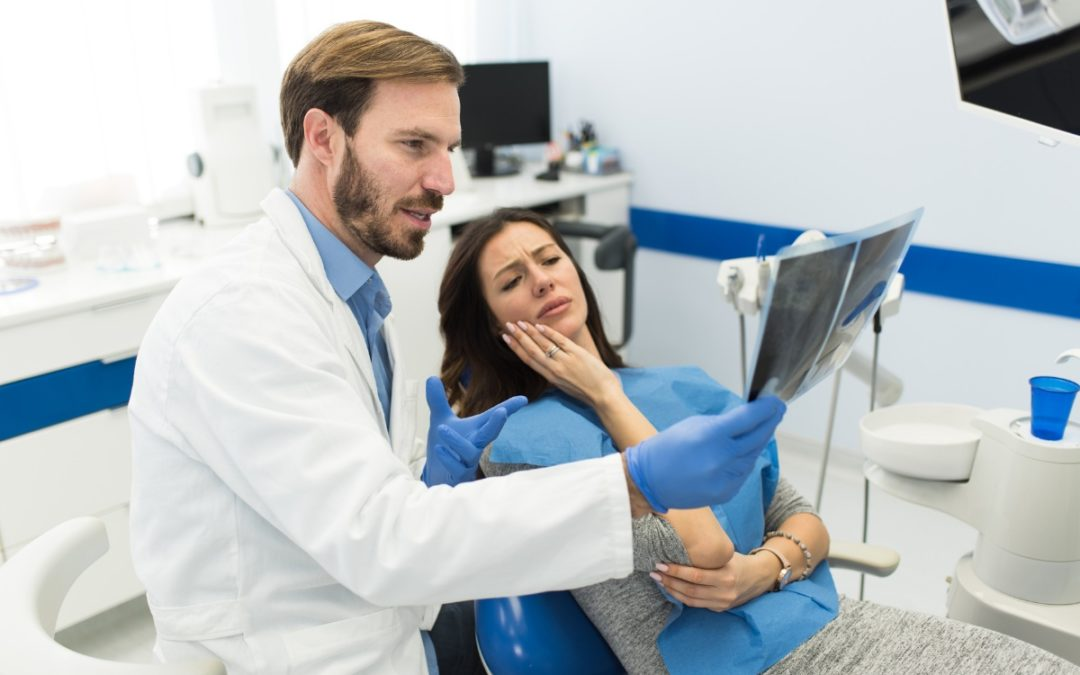 6 Symptoms to Call Your Dentist About