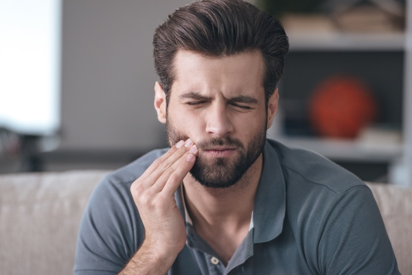 TMJ Signs, Symptoms And Treatment Options