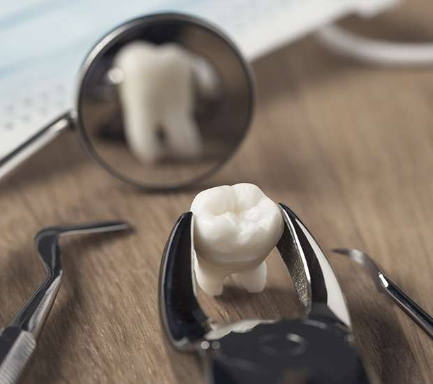 Leawood When Is a Tooth Extraction Necessary